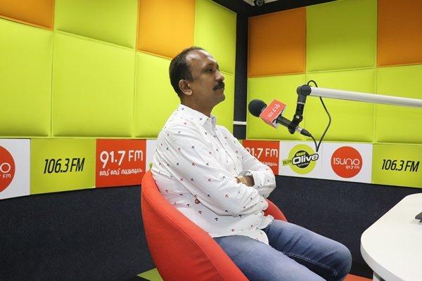 Santhsoh Kuruvila at Radio Suno