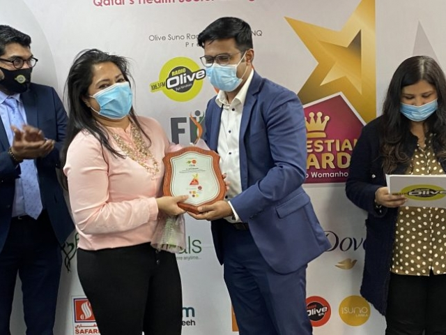 Olive Suno Managing Director Mr. Ameer Ali Handing over the momento to Dr.Rupa